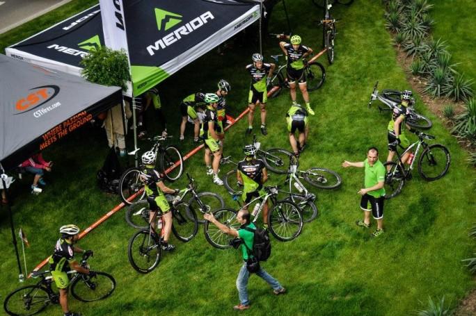 Echipa de cNoii membrii in Echipa de ciclism NoMad Merida CSTiclism NoMad Merida CST